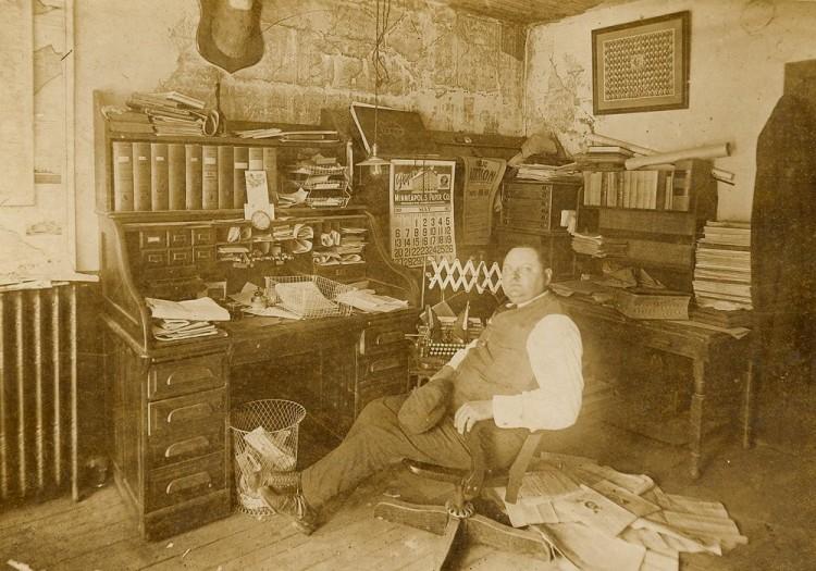 1917_Av6633_GTKY_Waconia_CAReil_PatriotOffice_1917u1000